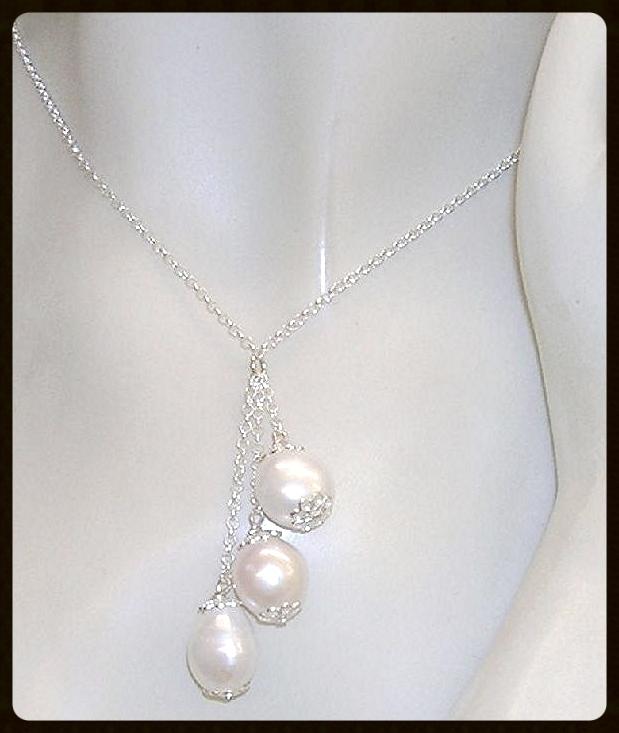 af5cab31a5af Collar de Plata de Ley con 3 Perlas Cultivadas barrocas blancas ...
